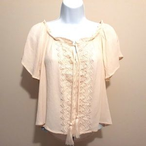Rue 21 cream bell sleeve boho lace peasant blouse